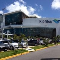 Foto tomada en Shopping RioMar por Jannine L. el 11/13/2013