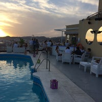 Foto diambil di Terraza Hotel Málaga Palacio oleh Reme F. pada 8/10/2015