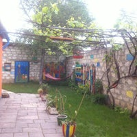 Foto tirada no(a) Funky Mamaliga Hostel por Ekaterina Y. em 5/15/2015