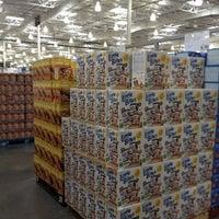 Photo prise au Costco Wholesale par Marilyn S. le9/8/2012