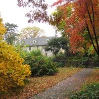 Das Foto wurde bei Bartram's Garden von Bartram's Garden am 11/7/2013 aufgenommen