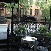 Foto tirada no(a) Bourbon Street Bar & Grille por Cheryl P. em 6/20/2013