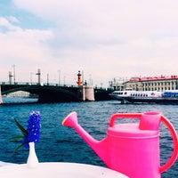 6/2/2015에 Ksuuuu🦁님이 DoZari / Дозари шоу-ресторан на воде에서 찍은 사진