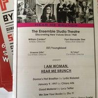 Das Foto wurde bei The Ensemble Studio Theatre von ryan m. am 4/7/2013 aufgenommen