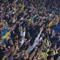 Das Foto wurde bei Ülker Stadyumu Fenerbahçe Şükrü Saracoğlu Spor Kompleksi von Yasin S. am 11/11/2013 aufgenommen