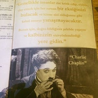 Foto tirada no(a) Chaplin Cafe & Restaurant por Özge G. em 1/1/2015