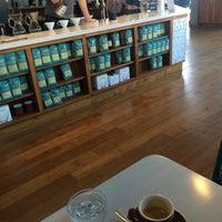 Foto tirada no(a) Bird Rock Coffee Roasters por David H. em 10/21/2015