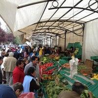Foto tomada en Feria Abierta Yolanda Becerra por Alejandro C. el 10/7/2012