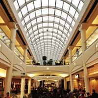 10/13/2012にBryan H.がMetropolis at Metrotownで撮った写真
