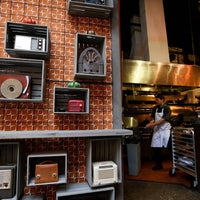 8/1/2014にChicago TribuneがTakito Kitchenで撮った写真