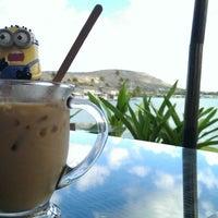 Foto tirada no(a) Island Brew Coffeehouse por Howie Y. em 9/1/2013