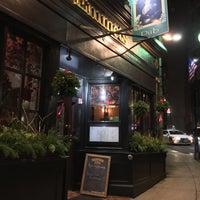 Foto tirada no(a) Emmet's Irish Pub por Jeff J. em 12/6/2015