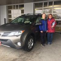 Foto tomada en Stevinson Toyota West por Karin B. el 4/24/2018