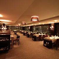 Das Foto wurde bei Safir Restaurant von Safir Restaurant am 11/15/2013 aufgenommen
