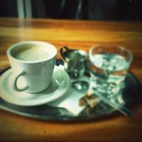 Foto diambil di Subeez Cafe Restaurant Bar oleh Geoffrey B. pada 9/22/2012
