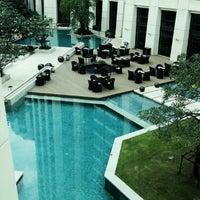 11/22/2012 tarihinde Panuwat T.ziyaretçi tarafından Siam Kempinski Hotel Bangkok'de çekilen fotoğraf