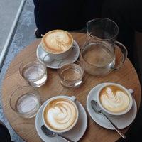 Foto diambil di kaffemik oleh Banu S. pada 3/8/2016