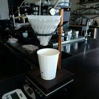Foto tomada en Corvus Coffee Roasters por Mas T. el 8/31/2016