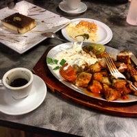 Das Foto wurde bei Zizi's Cafe von Ibrahim am 11/16/2013 aufgenommen