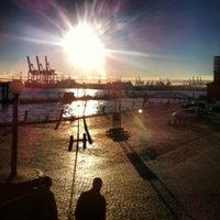 Das Foto wurde bei Hamburger Fischmarkt von Sebastian W. am 11/30/2012 aufgenommen