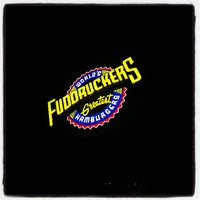 รูปภาพถ่ายที่ Fuddruckers โดย Miguel G. เมื่อ 6/1/2013