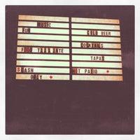 Foto scattata a Bar Neon da Erin T. il 9/23/2012