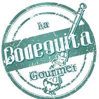 Foto diambil di La Bodeguita Gourmet oleh Enterartedf pada 4/30/2013