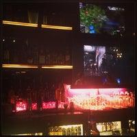 รูปภาพถ่ายที่ 42 Lounge โดย Shareef J. เมื่อ 5/9/2013