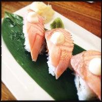 Foto diambil di Kumo Izakaya & Sake Bar oleh Ellen W. pada 11/19/2013