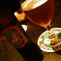 Foto tirada no(a) Cervejaria da Vila por Bernardo R. em 1/10/2013
