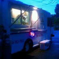 รูปภาพถ่ายที่ Junior's Tacos โดย Dennis S. เมื่อ 9/26/2012