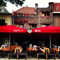 Foto diambil di Café Bolle oleh Remco v. pada 8/10/2013