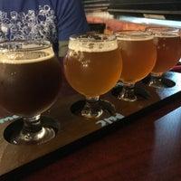 รูปภาพถ่ายที่ Falling Down Beer Company โดย Ryan S. เมื่อ 9/17/2017