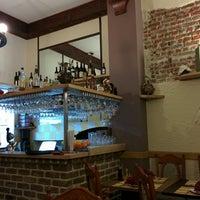 Photo prise au Rustic - Restaurant romanesc par Romica le4/4/2014