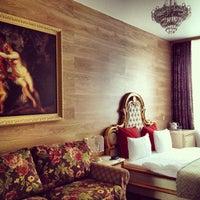 รูปภาพถ่ายที่ Гранд Отель Белорусская โดย Roman เมื่อ 10/23/2013