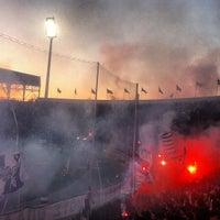 รูปภาพถ่ายที่ Toumba Stadium โดย Alexandros G. เมื่อ 4/17/2013