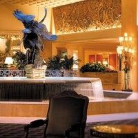 Снимок сделан в The Ritz-Carlton Chicago пользователем Peter H. 11/5/2012