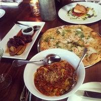 รูปภาพถ่ายที่ SP² Communal Bar + Restaurant โดย Kellyn W. เมื่อ 7/18/2013