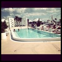 Photo prise au Highbar - Pool·Bar·Sky par natasha a. le10/28/2012