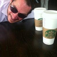 Foto tirada no(a) Starbucks por William M. em 8/30/2013