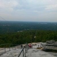 Foto tomada en Stone Mountain Park por Anastacia J. el 9/29/2012