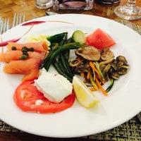 Foto tirada no(a) Williams Island Cafe por Paulo Marcello(Lelo) D. em 9/28/2014