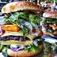 Das Foto wurde bei Berlin Burger International von igor s. am 8/5/2013 aufgenommen