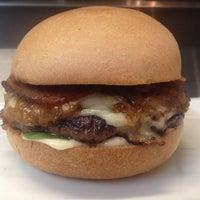 Photo prise au Toma Burger Addiction par Toma Burger Addiction le11/26/2013