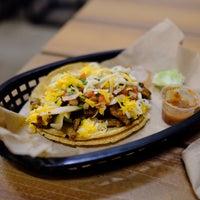 Das Foto wurde bei Torchy's Tacos von Cristina C. am 11/4/2018 aufgenommen