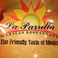 Foto tomada en La Parrilla Mexican Restaurant por Barry L. el 2/7/2013