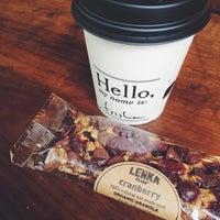 Foto tirada no(a) Birch Coffee por Tricia L. em 9/11/2014