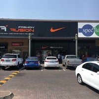 vans chaussures shops in woodmead retail park