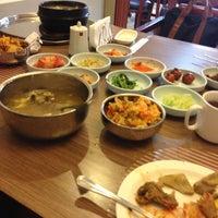 Снимок сделан в Korean Palace пользователем Rose Lyn Y. 5/3/2013