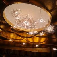 Foto scattata a Metropolitan Opera da Kate H. il 11/11/2012